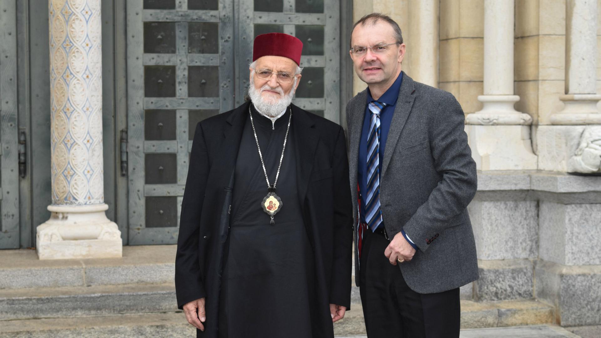 Le patriarche Grégoire III Laham, chef de l'Eglise grecque-melkite catholique, avec Jan Probst, directeur national de l'Aide à l'Eglise en Détresse (Photo: Jacques Berset)